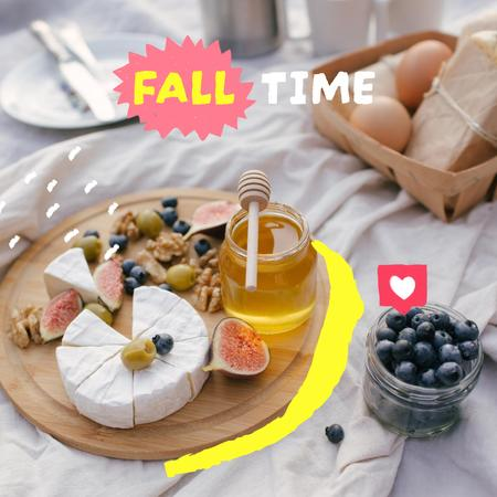 Autumn Inspiration with Delicious Cake and Honey on Breakfast Instagram – шаблон для дизайну