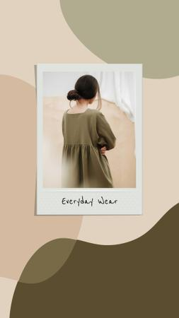 Template di design Woman wearing casual Dress Instagram Story