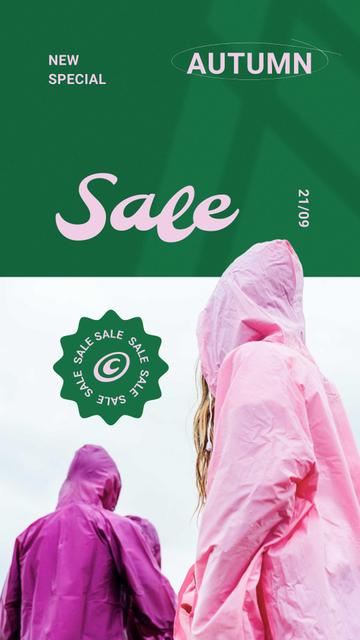 Autumn Sale with People in Bright Raincoats Instagram Storyデザインテンプレート