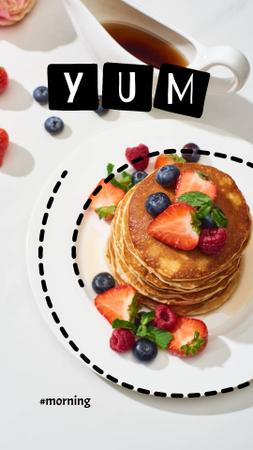 Designvorlage Delicious Pancakes on Plate with Berries für Instagram Story