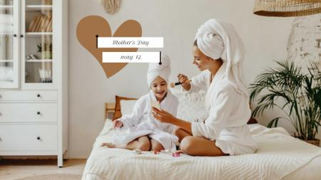 Plantilla de diseño de Mother's Day Discount Offer with Happy Mom and Daughter FB event cover
