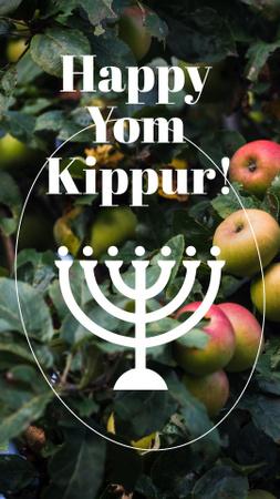 Ontwerpsjabloon van Instagram Story van Yom Kippur Greeting with Fresh Apples and Menorah
