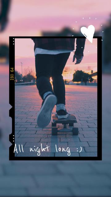 Ontwerpsjabloon van TikTok Video van Summer Inspiration with Skateboarder riding on Sunset