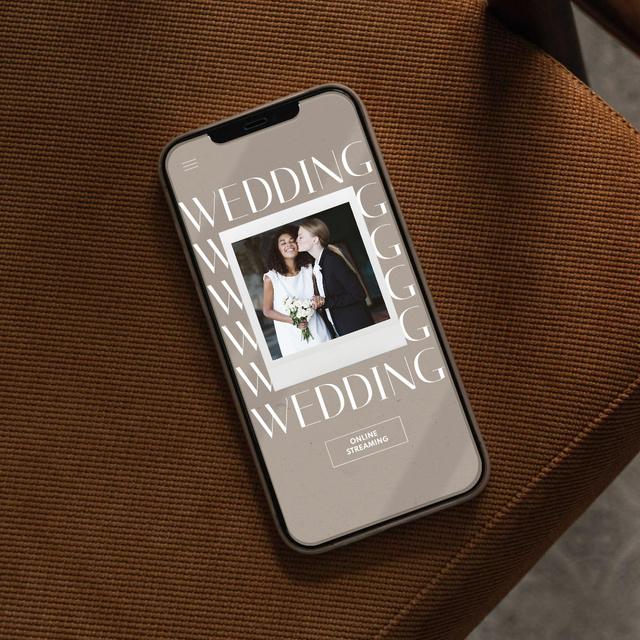 Wedding Announcement with Happy LGBT Couple on Phonescreen Instagram Modelo de Design