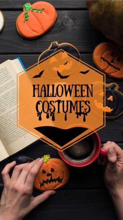 Halloween Costumes Offer with Coffee and Pumpkin Cookies Instagram Story Modelo de Design
