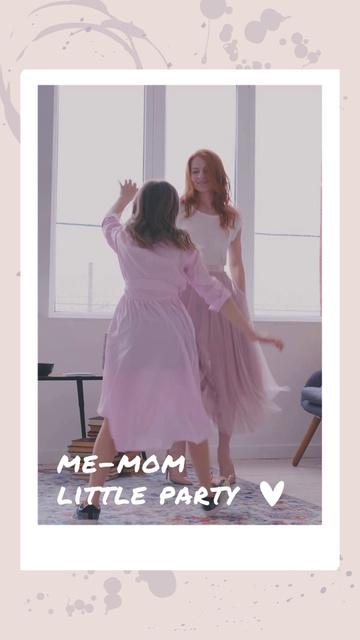 Plantilla de diseño de Mom and Daughter having fun in Cute Dresses TikTok Video