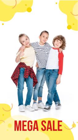 Clothes Sale with Happy Kids Instagram Story Modelo de Design