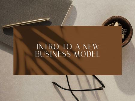 Business Model Development with Notebook and Pen Presentation – шаблон для дизайна