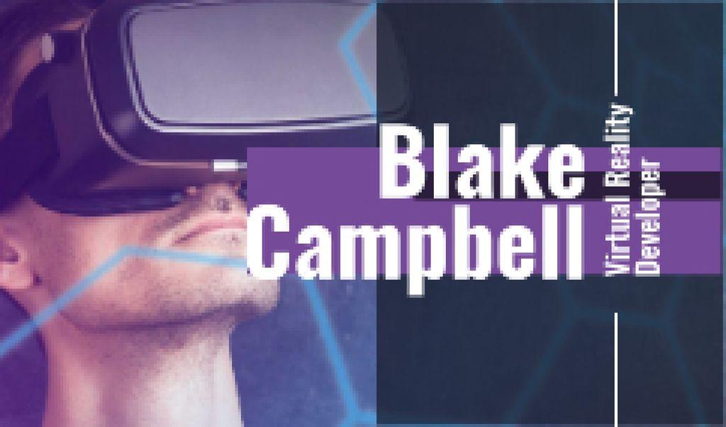 Man using vr glasses —デザインを作成する